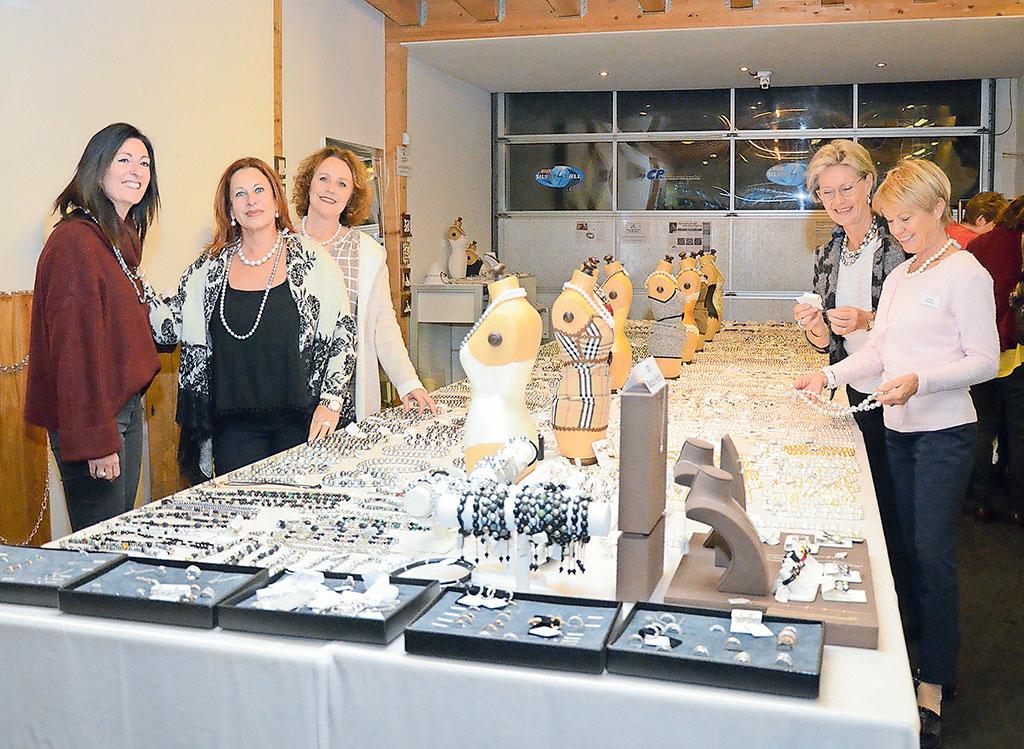 Perlenausstellung Karin Müller | Landanzeiger-Shopping