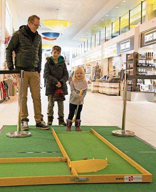 Minigolf im Perry Center |Landanzeiger-Shopping