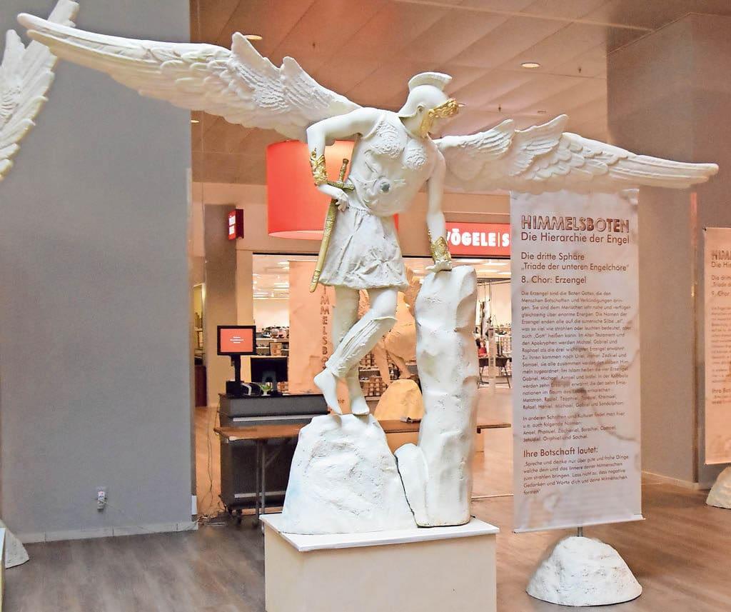 Himmelsboten-Ausstellung im Perry Center | Landanzeiger-Shopping