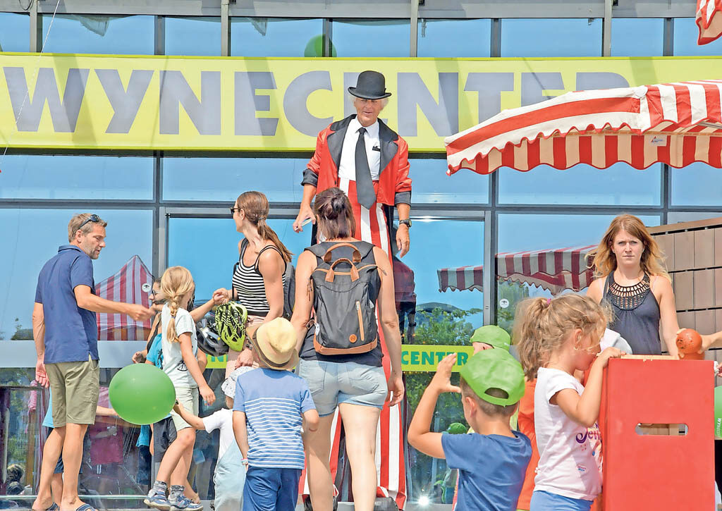 Clown an der Wynecenter-Chibli | Landanzeiger-Shopping